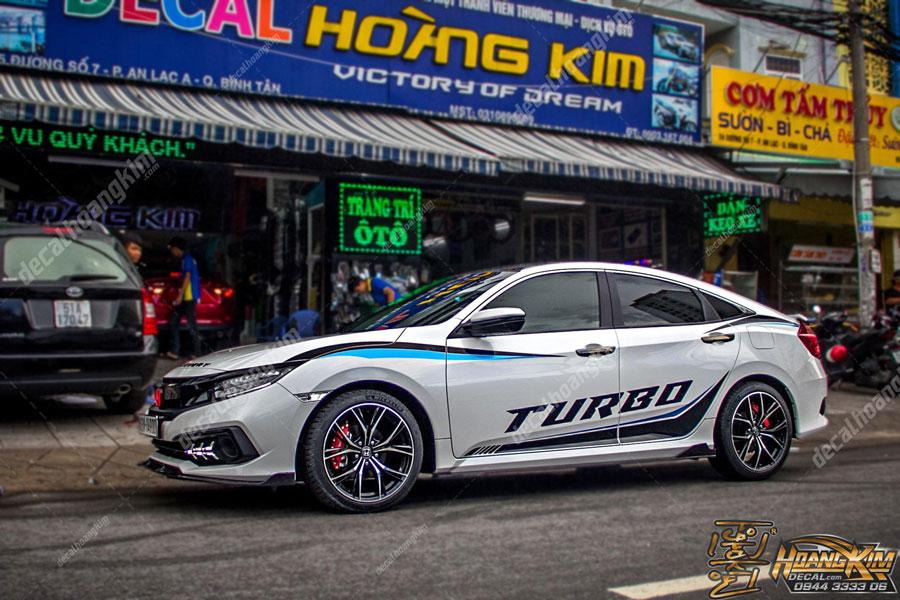 Ô Tô Hoàng Kim thay đổi tem xe Honda Civic dễ dàng