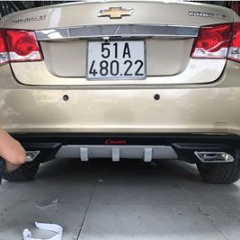 Lip Chia Pô Chevrolet Cruze
