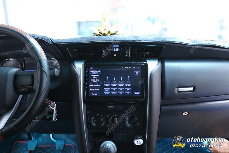 Đồ chơi công nghệ hữu ích dành cho xe Innova