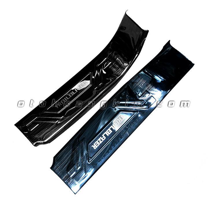 sản phẩm Bệ bước phần nhựa Trailblazer titan