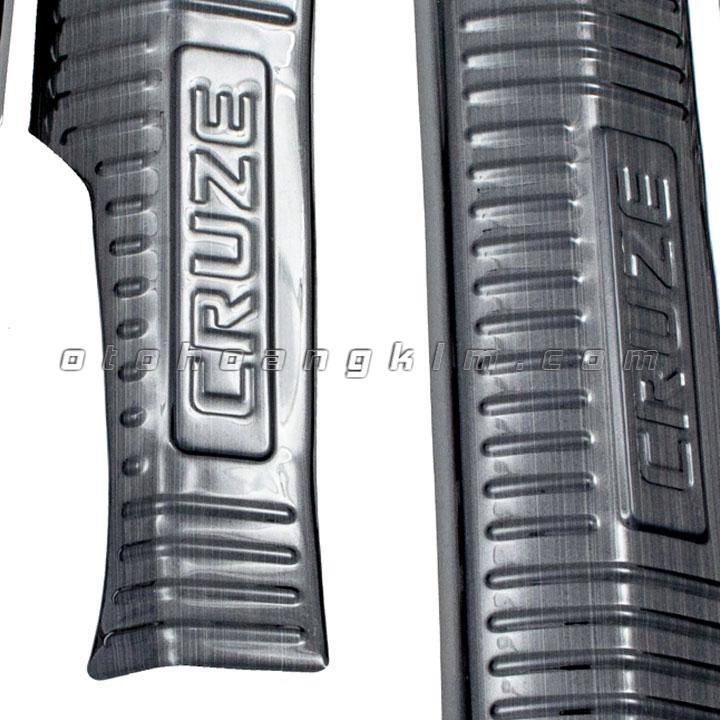 sản phẩm Bệ bước phần nhựa Cruze Titan [2017 - 2020]