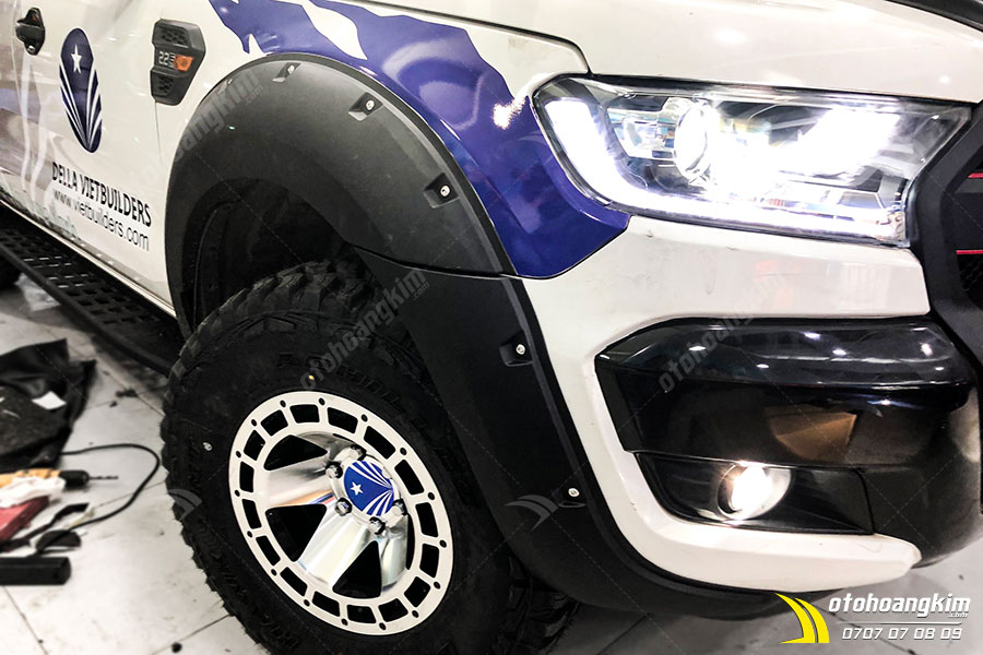 Ốp Cua Lốp Ford Ranger Đinh Hõm – 0054NA