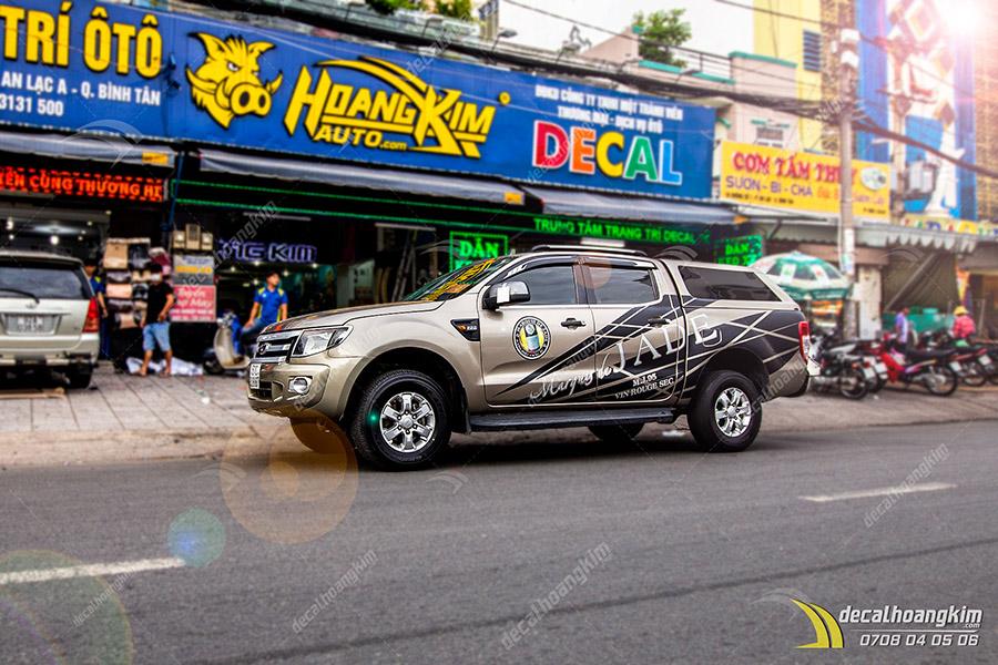 Dán Quảng Cáo Trên Xe Ô Tô - DQC169