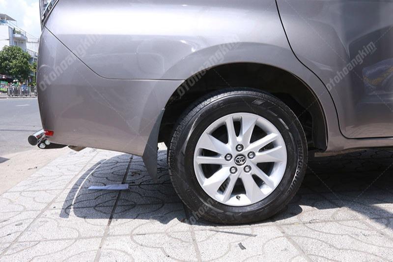 Những mẫu chắn bùn cho xe Innova chính hãng