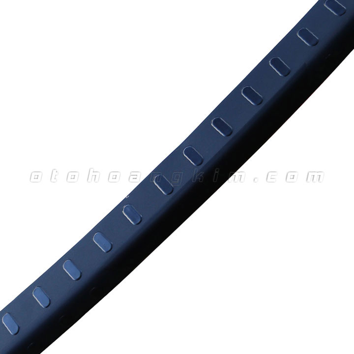 49137ecf-147--chong-tray-cop-son-innova-nhua-den-nho-7842-3.jpg