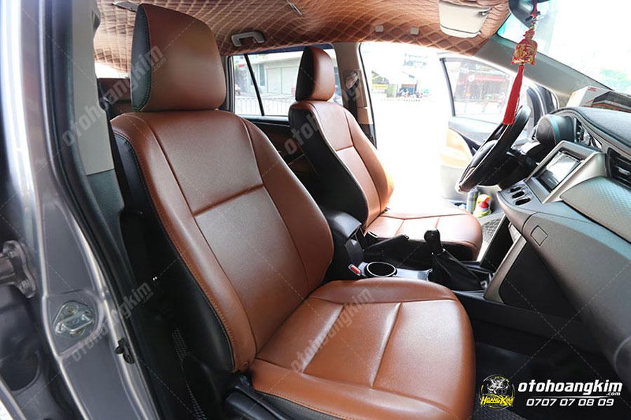 Mẫu bọc ghế Innova nâu sang trọng được nhiều chủ xe lựa chọn