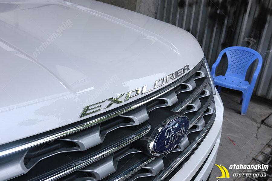 Chữ nổi xe Ford Explorer