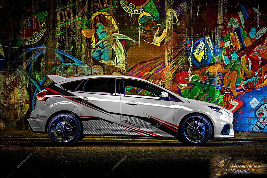 Tem xe Ford Focus đẹp lạ