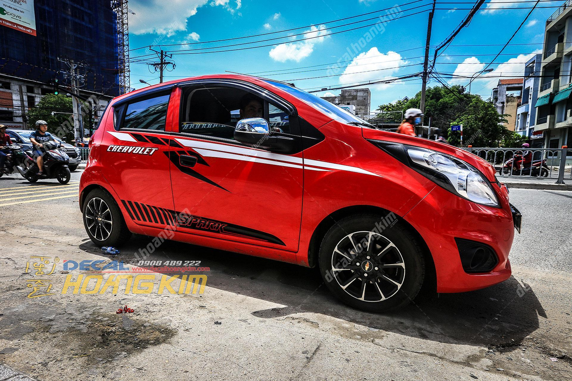 https://hoangkims5.blob.core.windows.net/otohoangkimzag152hg18/Tem-xe-Chevrolet-Spark-CSP001.jpg