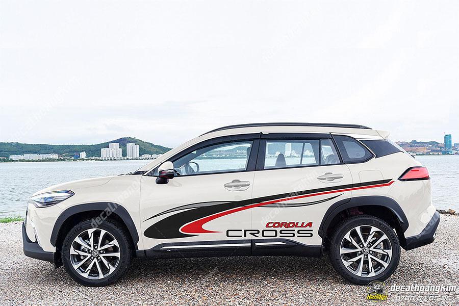 Tem xe Corolla Cross năng động thể thao