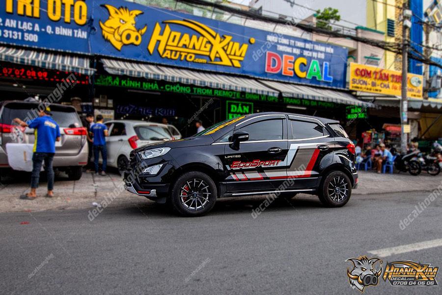Tem xe Ford Ecosport màu đen phối hoạ tiết năng động trẻ trung