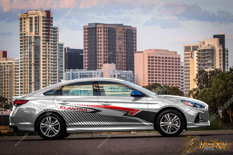 Mẫu tem xe Hyundai Elantra độc lạ sáng bóng