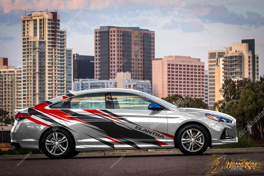 Tem xe Hyundai Elantra phối màu đỏ đen cực xịn