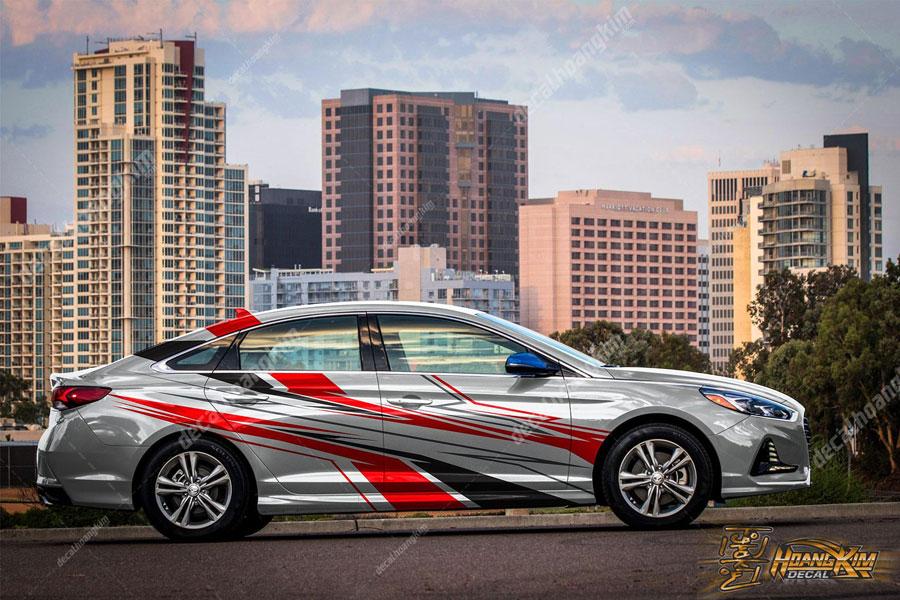 Lên mẫu tem xe Hyundai Elantra họa tiết mạnh mẽ