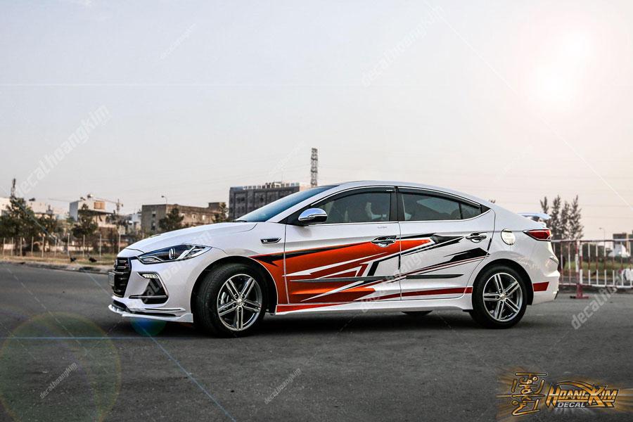 Mẫu tem xe Hyundai Elantra đầy mạnh mẽ
