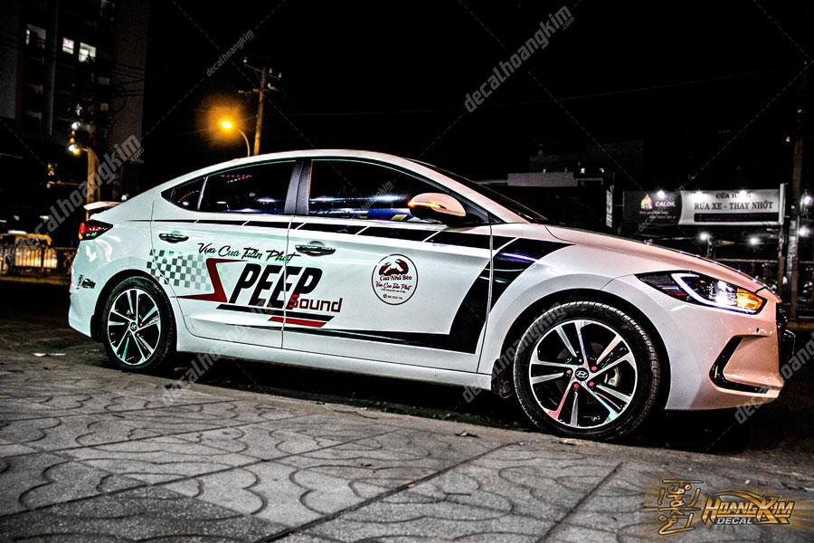 Lên mẫu tem xe Hyundai Elantra tuyệt phẩm