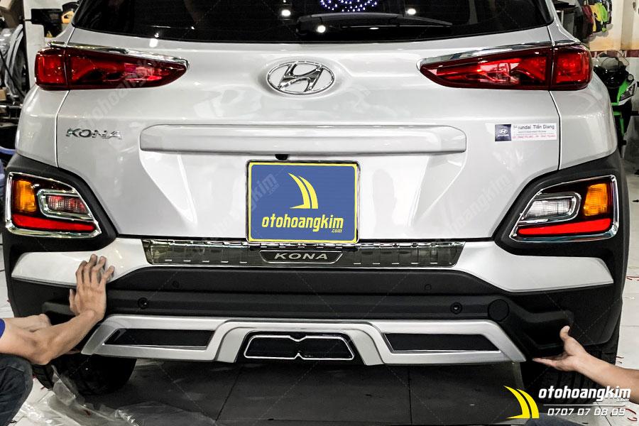 Lip Chia Pô Xe Hyundai Kona
