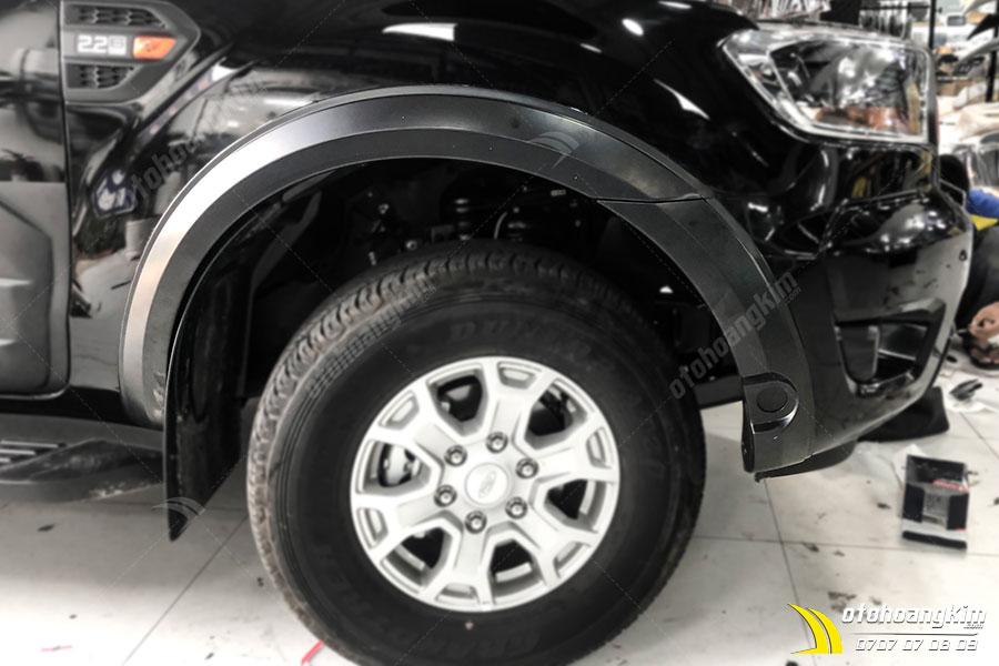 Ốp Cua Lốp Ford Ranger Loại Nhỏ Đời [2015-2020]