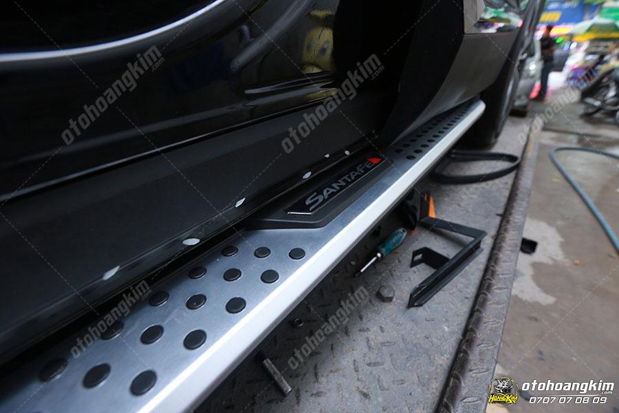 Bệ bước cơ có nhiều công dụng hữu ích cho xe hơi