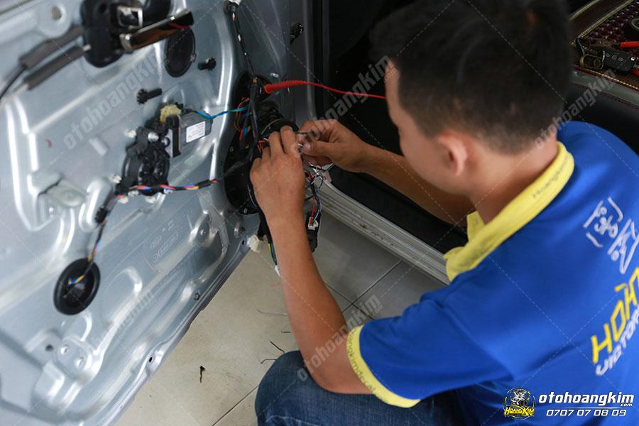 Bộ lock cửa gập gương lên kính - Thiết bị điện từ ô tô Fortuner chính hãng tại Ô Tô Hoàng Kim chi nhánh Tp.HCM và Bình Dương
