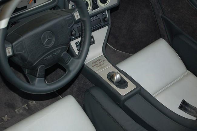 Cần số xe hơi củaMercedes-Benz CLK GTR