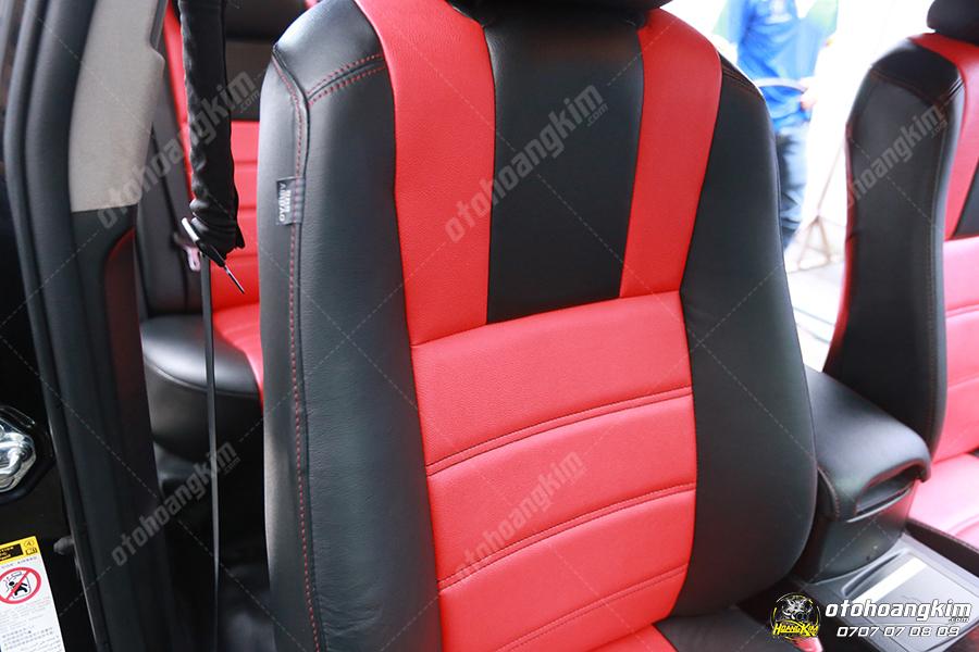 Bọc ghế da cho ô tô Ford Everest màu đen đỏ