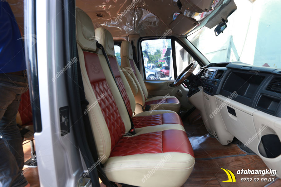 Bọc ghế da ô tô Ford Transit