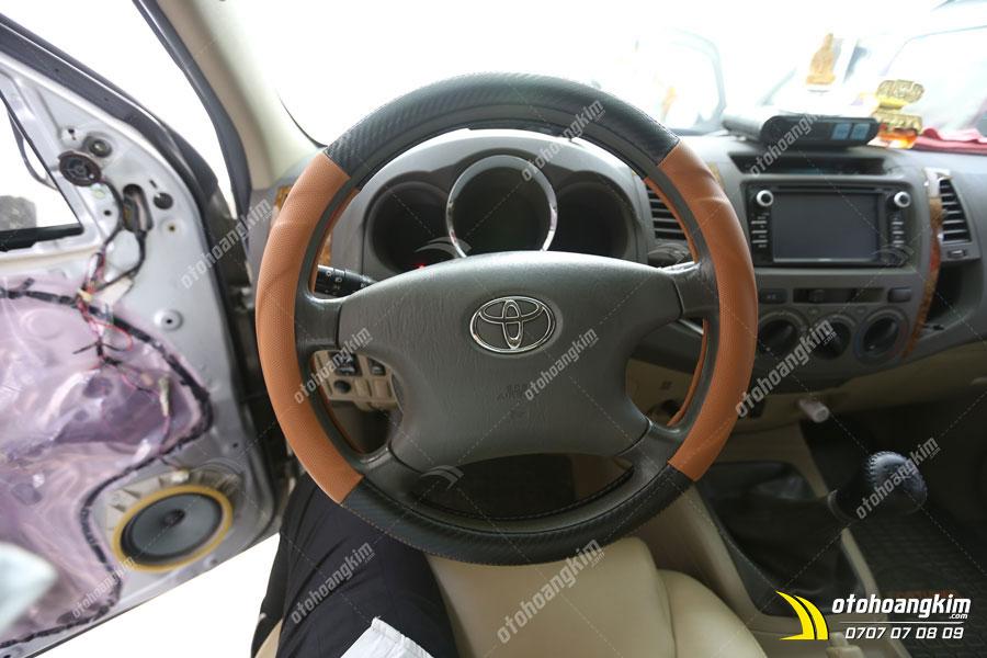 Bọc vô lăng xe Toyota Innova