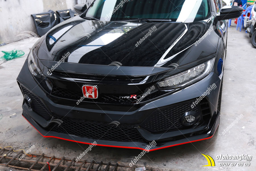 Phần đầu xe Honda Civic được lắp body kit cực ngầu