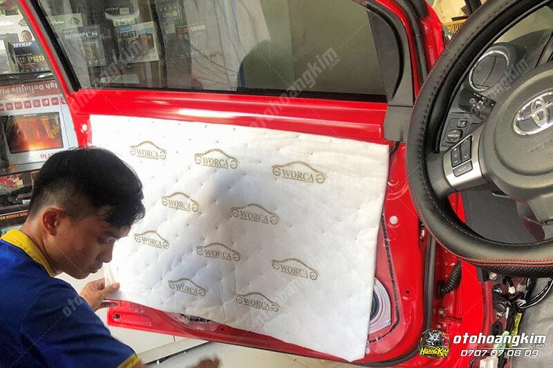 Cách âm chống ồn cho cưa xe ô tô Wigo