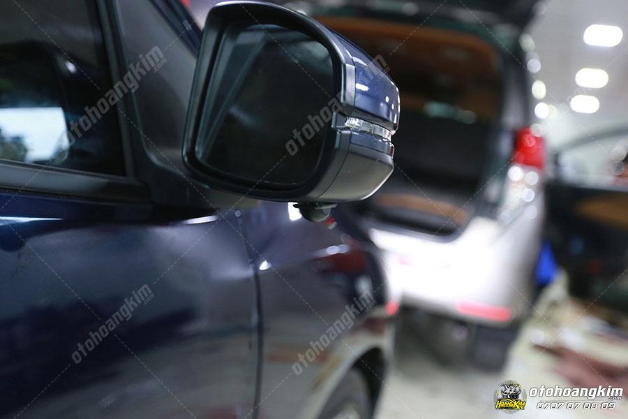Hình ảnh camera cập lề CRV gắn trên gương chiếu hậu