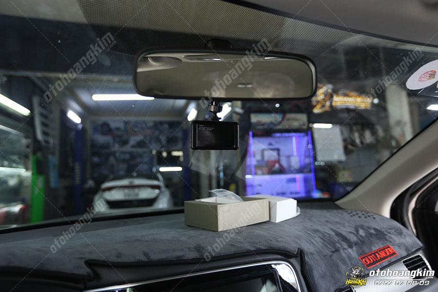 Camera hành trình gắn trên xe ô tô giúp định vị xe khi di chuyển