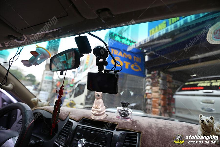 Camera hành trình gắn trên xe là phụ tùng giúp chủ xe lưu lại được những thước phim cần thiết