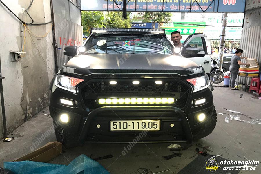 Lắp cản trước cho ô tô Ford Ranger