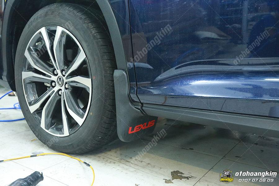 Lắp chắn bùn ô tô chính hãng tại Ô Tô Hoàng Kim chi nhánh Tp.HCM và Bình Dương