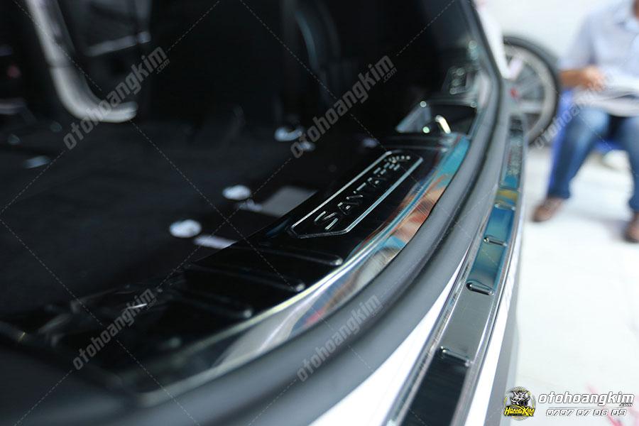 Chống trầy cốp phần nhựa chất liệu inox cho xe Santafe
