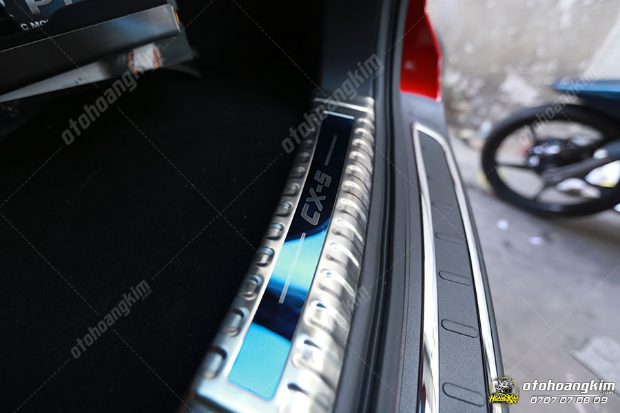 Mazda CX5 với mẫu chống trầy cốp phần nhựa sang trọng
