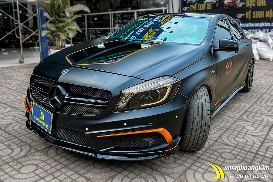 Dán đổi màu đen mờ Mercedes A45