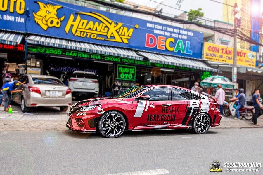 Dán decal - tem xe ô tô Honda Civic tại Ô Tô Hoàng Kim chi nhánh Tp.HCM và Bình Dương