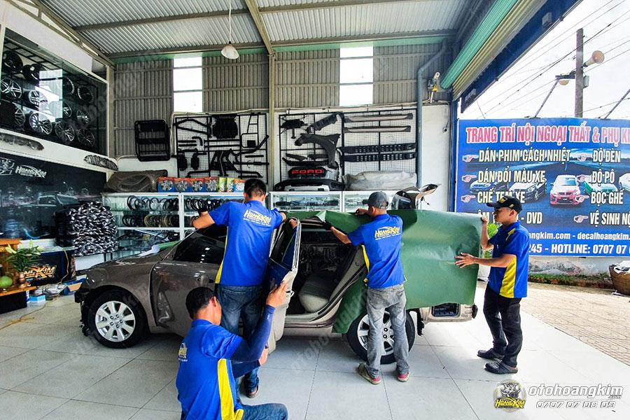 Ô tô Hoàng Kim dán decal - tem xe ô tô chuyên nghiệp