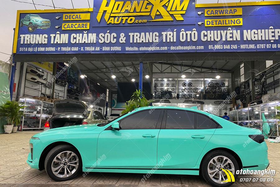Dán decal - tem xe ô tô Mercedes tăng độ thẩm mỹ tạ Ô Tô Hoàng Kim chi nhánh Tp.HCM và Bình Dương