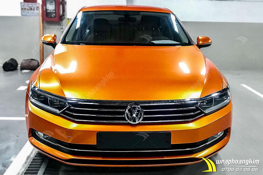 Dán đổi màu Candy cam ma thuật Volkswagen Passat bảo vệ lớp sơn gốc của xe tránh bị trầy xước, bong tróc
