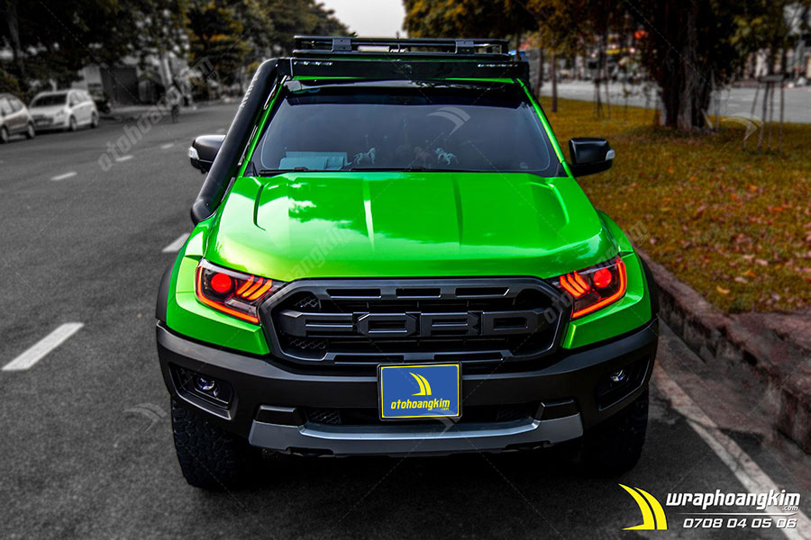 Dán đổi màu Candy táo xanh chuyển vàng Ford Ranger cực bắt mắt, cực chất