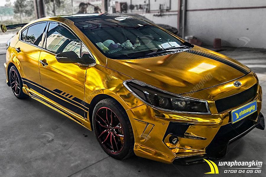 Dán đổi màu vàng Chrome Kia Cerato cực sáng bóng