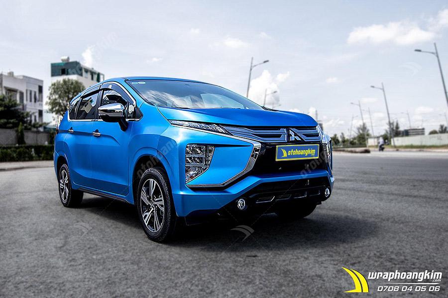 Dán đổi màu xanh nhôm xước ánh kim Mitsubishi Xpander giúp bảo vệ nước sơn zin tránh bị trầy xước