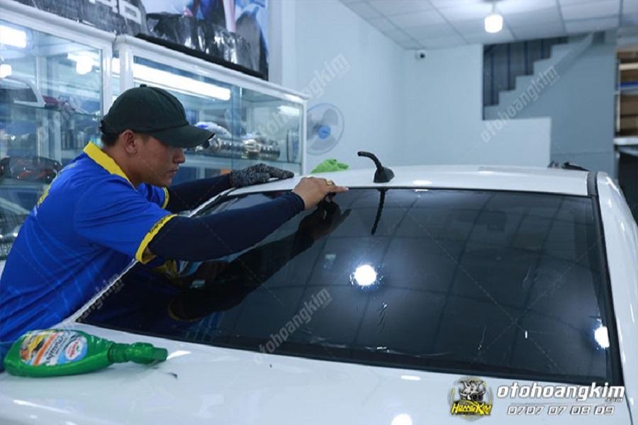 Dán phim cách nhiệt cho ô tô tại Hoàng Kim