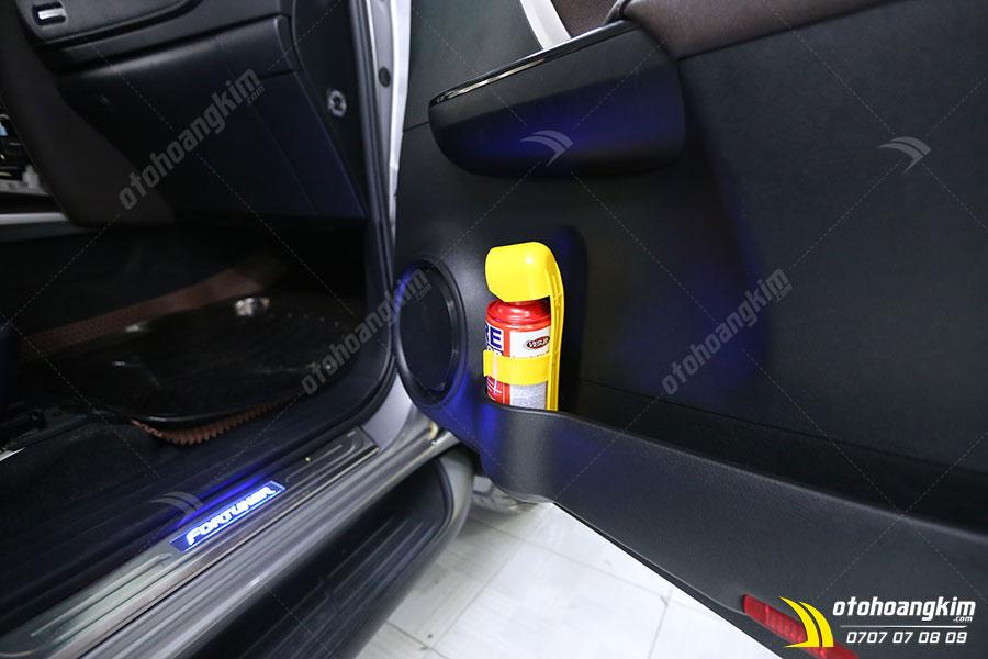 Đặt bình cứu hỏa ở vị trí dể lấy nhất trên xe