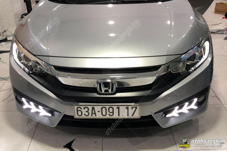 Đèn gầm xe hơi Honda Civic tại Ô Tô Hoàng Kim chi nhánh Tp.HCM