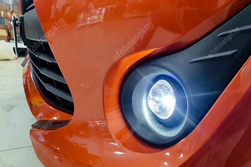 Độ đèn gầm ô tô nên chọn bóng Led hay Xenon