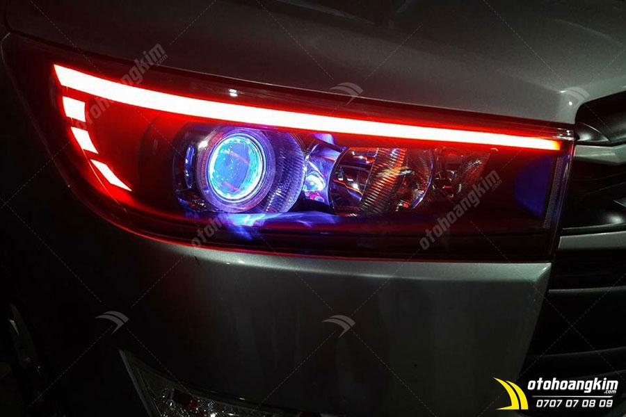 Độ đèn LED trước xe Toyota Innova